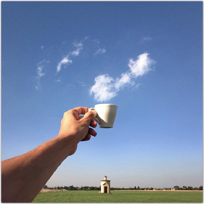illusion d'optique: Nuage qui sort d'une tasse à café