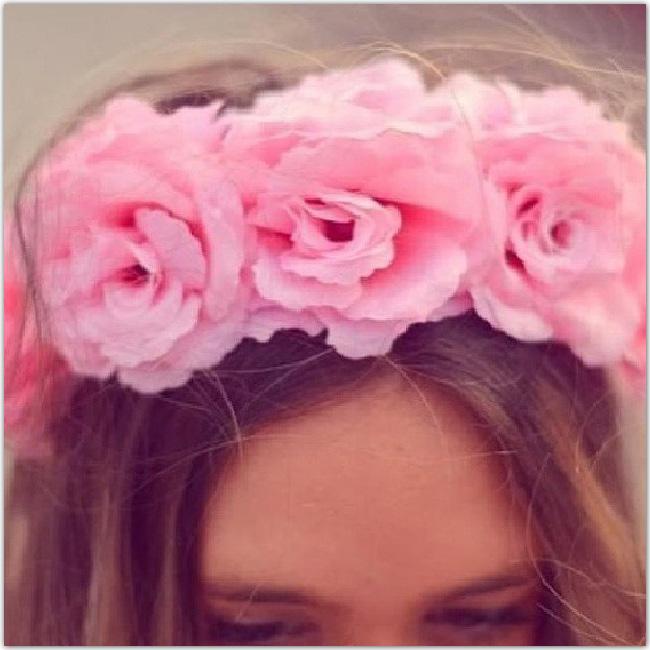 couronne de fleurs roses
