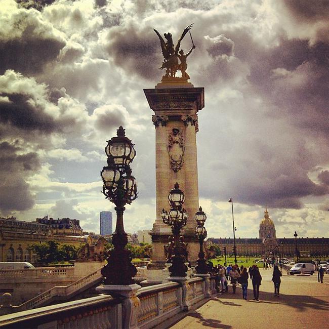 Photo de Paris nuageux