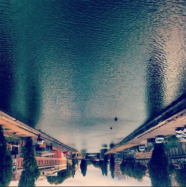 La Seine prise à l'envers