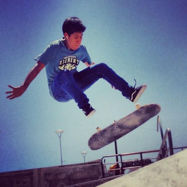Skateur en l'air