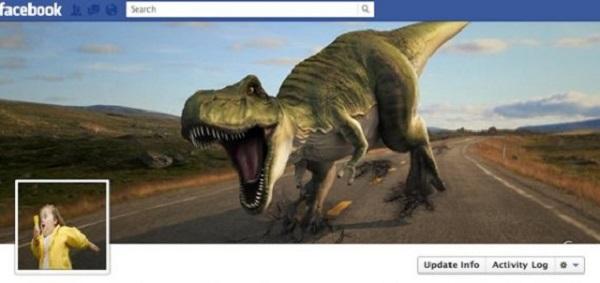 Photo de couverture Facebook qui présente une jeune fille qui fuit devant un tyrannosaure