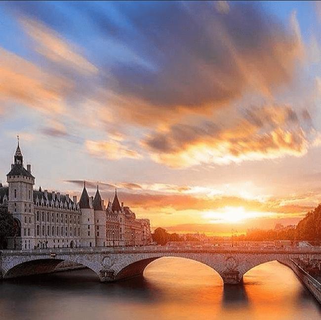 Photo d'un pont à Paris