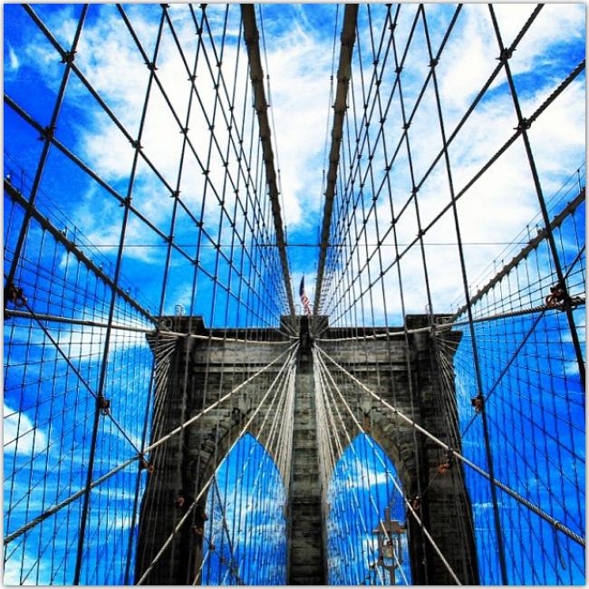 Photo d'un pont : symétrie parfaite