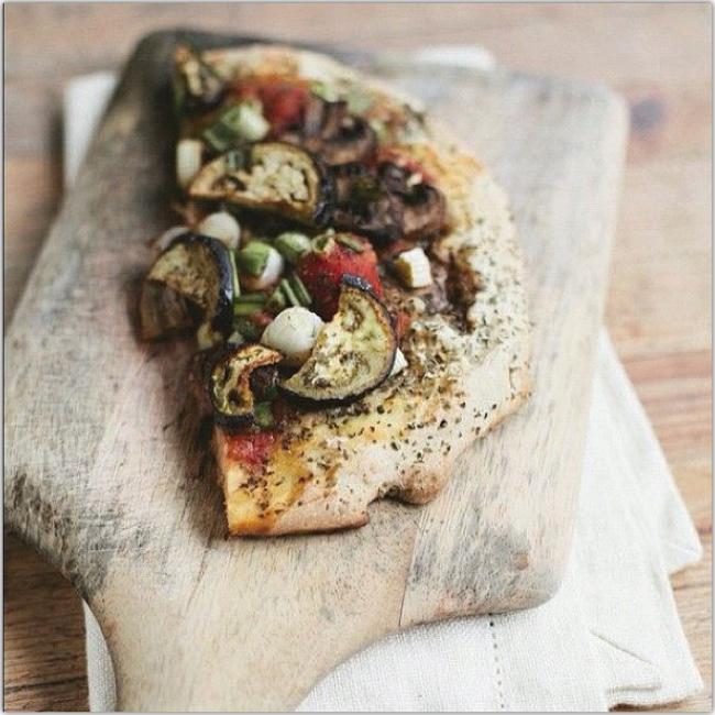 Photo d'une focaccia aux légumes
