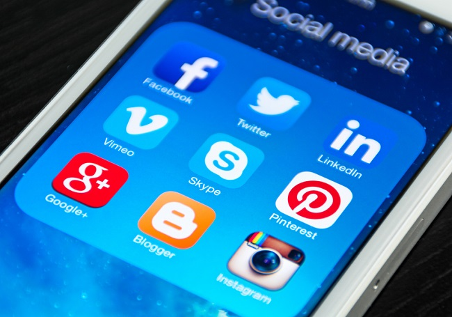 Réseaux sociaux sur smartphone