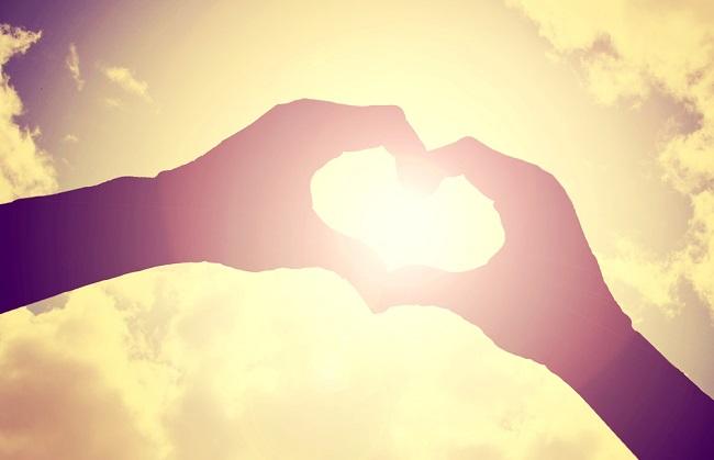 Mains en cœur