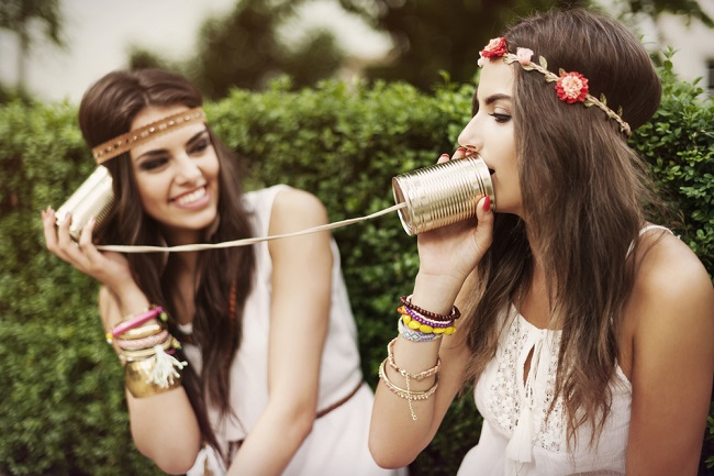 Jeunes Filles Communication Réseaux Sociaux