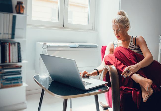 Femme indépendant domicile vivre sans être salarié